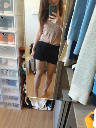 黑色鬆緊短褲