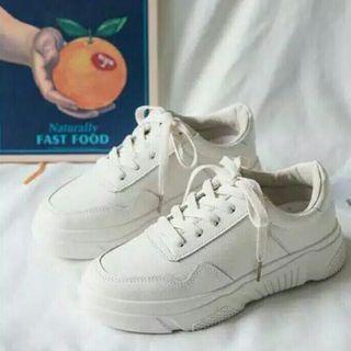 Sneakers Cream Teddy Bear - Sepatu Import (No Nego) #visitsingapore