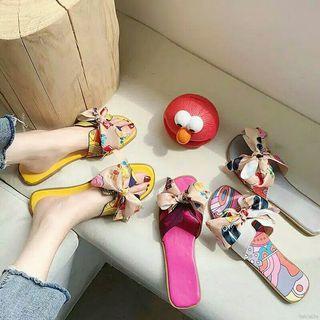 Sandal pita ikat