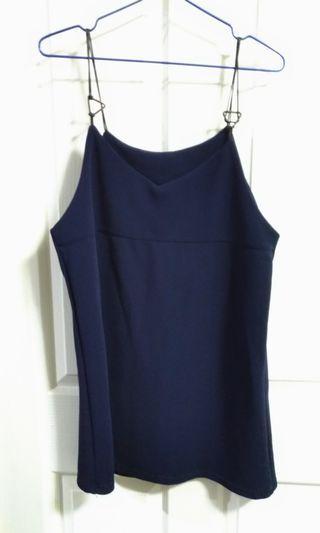 深藍色吊帶洋裝