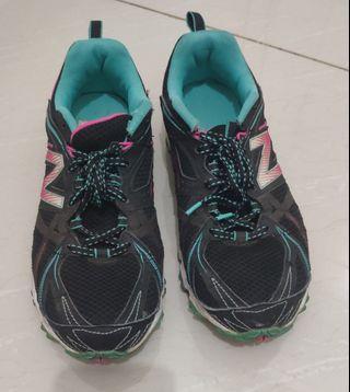 [Preloved] Sepatu Lari Wanita Running Shoes Women New Balance
