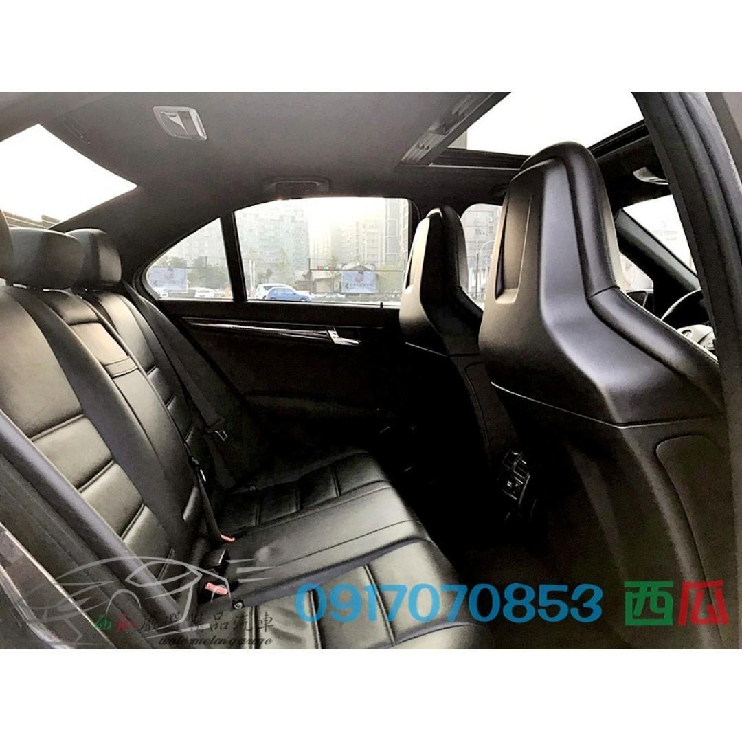 2011年 BENZ C63 AMG 一手車 少開 V8 猛獸一匹 新車價474萬 0-100Km 僅需4.5秒