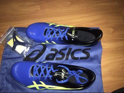 全新拆封未使用 亞瑟士 釘鞋 鞋碼28.5 藍色 降價賣 附鞋袋