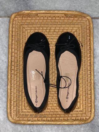 Sepatu flats hitam