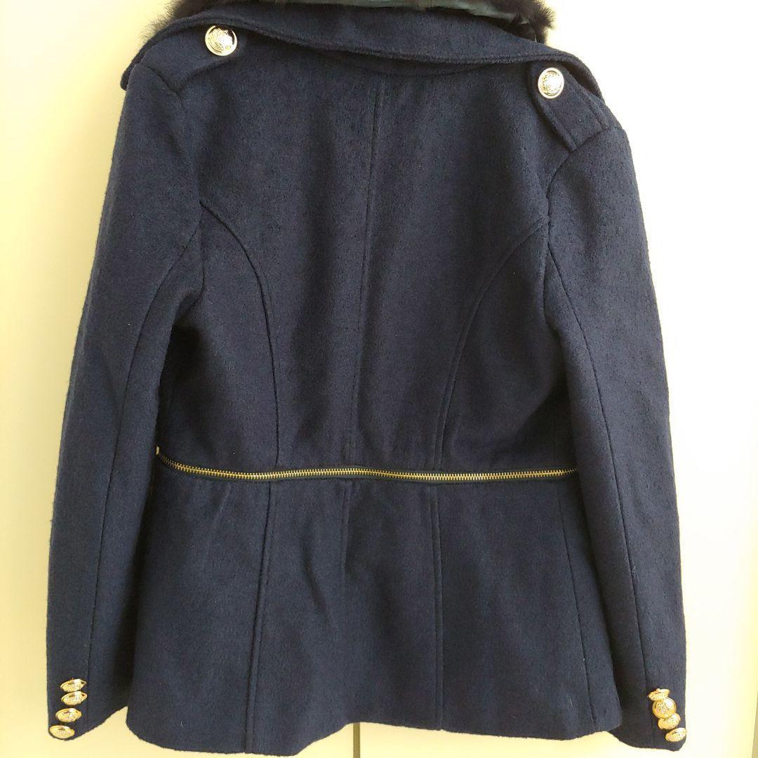 修腰深藍色外套