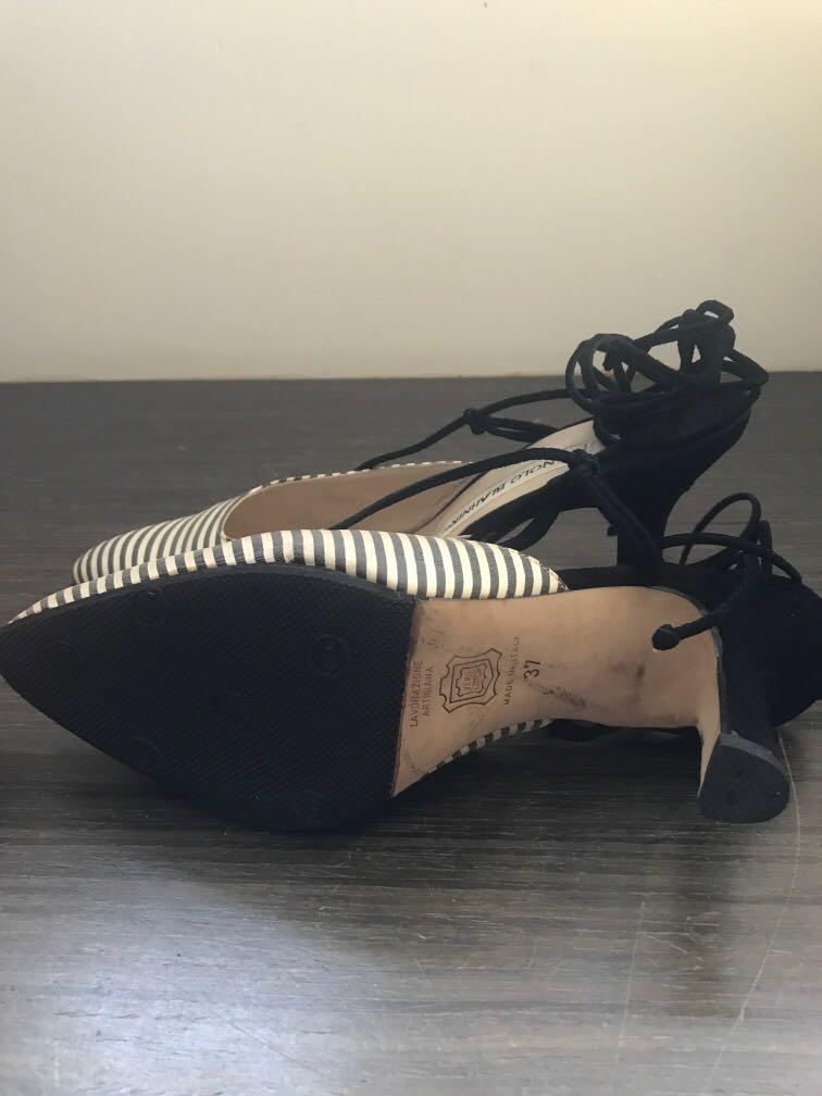 Manolo Blahnik緞面綁帶跟鞋