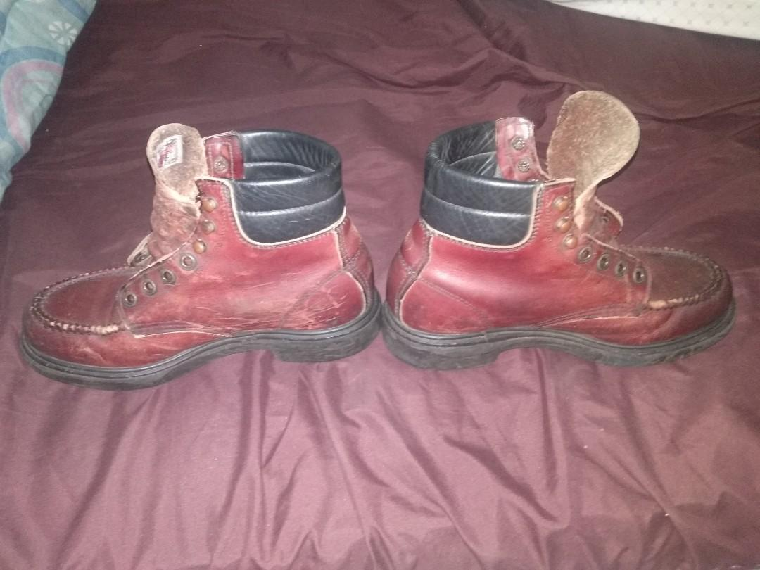 red wings supersole 204 .
