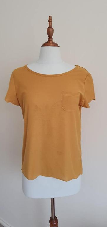 Size 10 Guc Glassons Mustard curved hem design short sleeve top