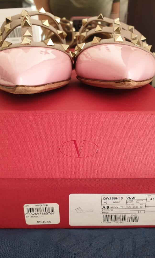 Valentino Rockstud Flat Mules slip ons Size 37 EU Pink pre owned  !!!