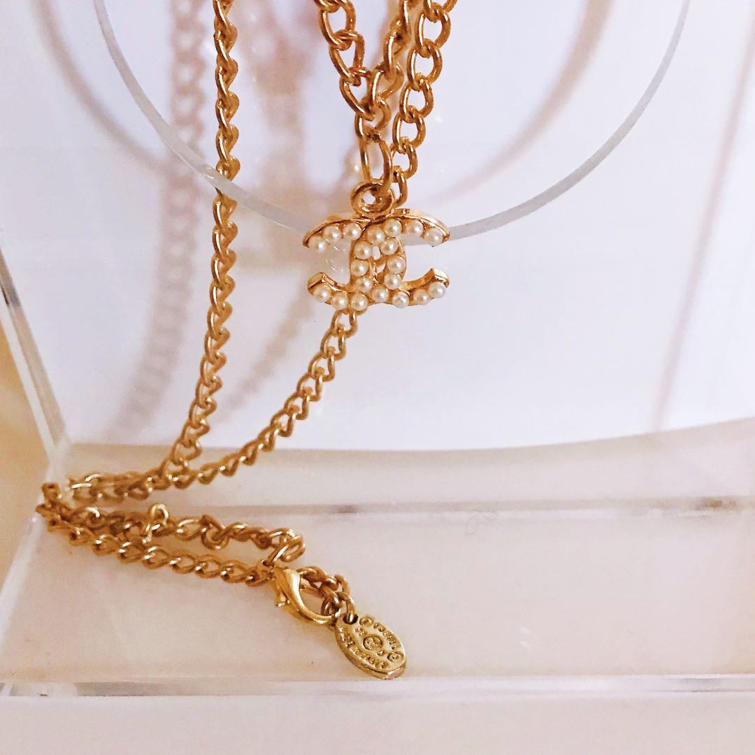 Vintage Chanel pearl cc charm pendent gold necklace
