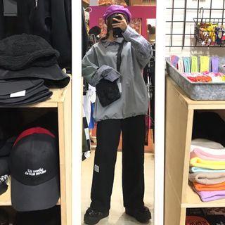 格紋假兩件中性寬鬆大學t/附皮帶側口袋造型直筒工作褲/安全扣造型工裝側背包