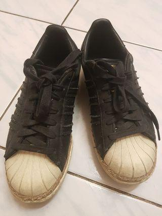Authentic Adidas preloved superstar 80s black
