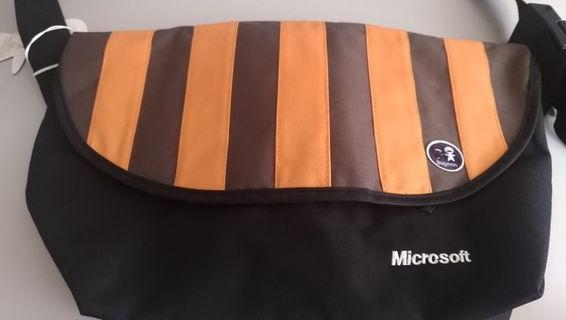 Bagman 橘黑條紋側背包 (底寬15高30底長31頂長49)