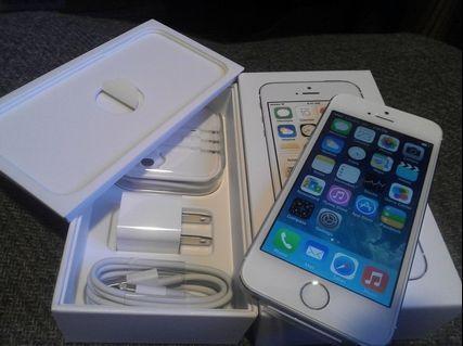 iPhone 5S 16GB Unlocked (Silver)