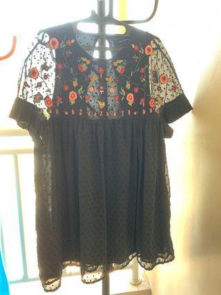 Dress embroidered black
