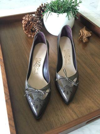 Salvatore Ferragamo 灰色帶紫色 印花高跟鞋