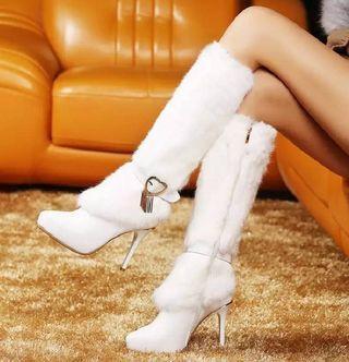 💋高筒靴2019冬季新款長靴细高跟黑色白色女靴子暖性感💋$2980💋 💋#性感,時尚,百搭款,高跟11cm,筒高34cm,內裡毛絨,鞋底防滑膠底 💋#顏色:黑色,白色 💋#尺碼:34~39