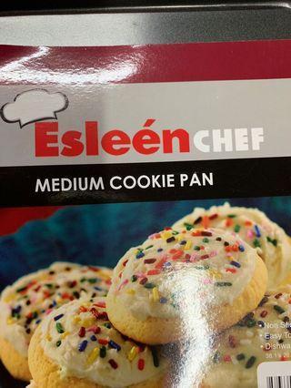Esleen medium cookie pan