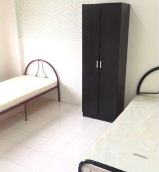 Wanita Melayu-Master bedroom (Sharing 2person)
