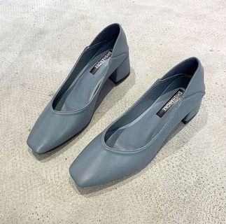墨爾本藍方頭跟鞋