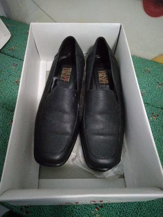 #Sepatu #Pantofel #Triset