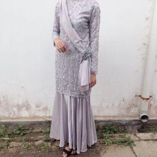Gaun bridesmaid size S silver