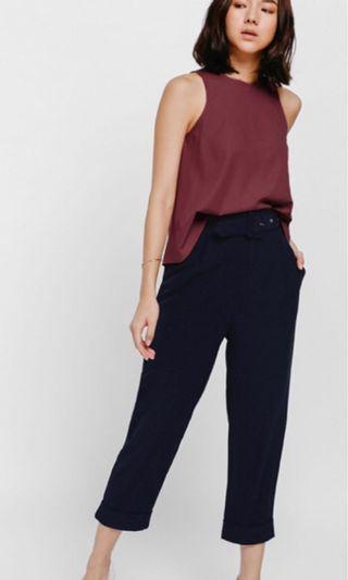 Size S : Love Bonito Pamya Belted Cropped Pants