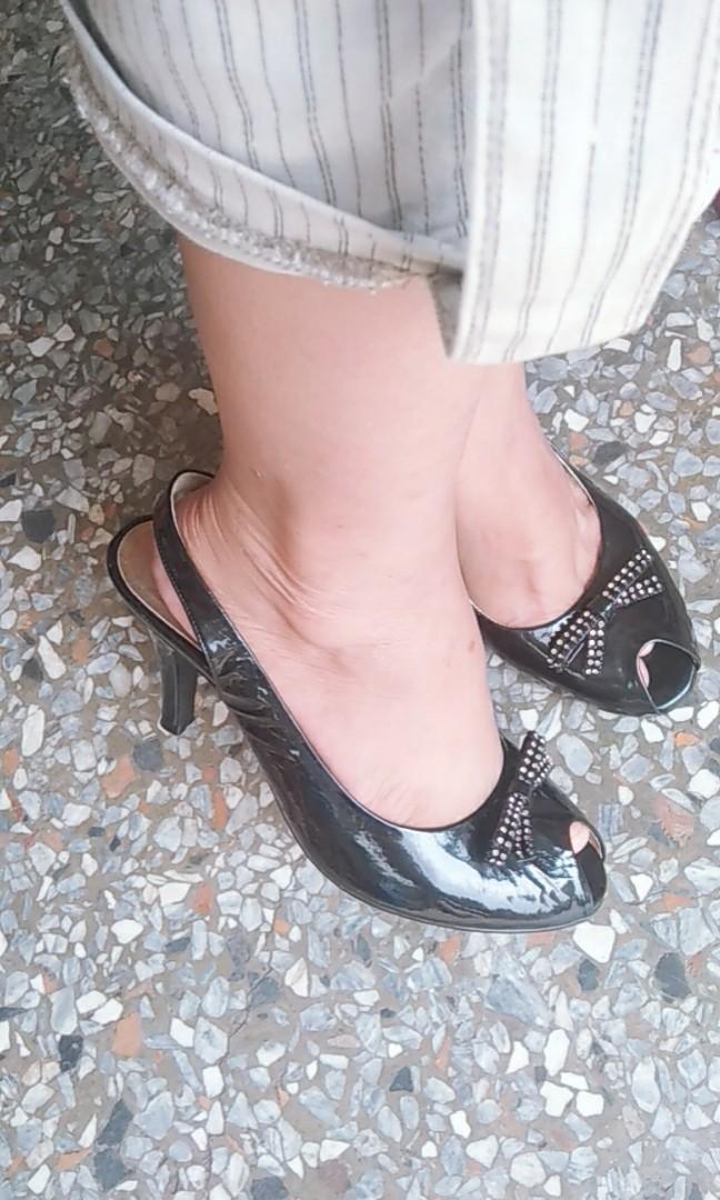 黑色(高跟涼鞋)