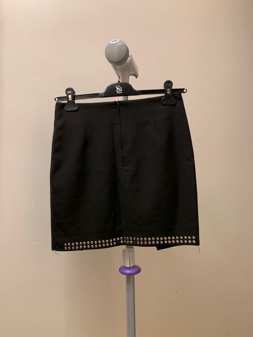 黑色窩釘裙
