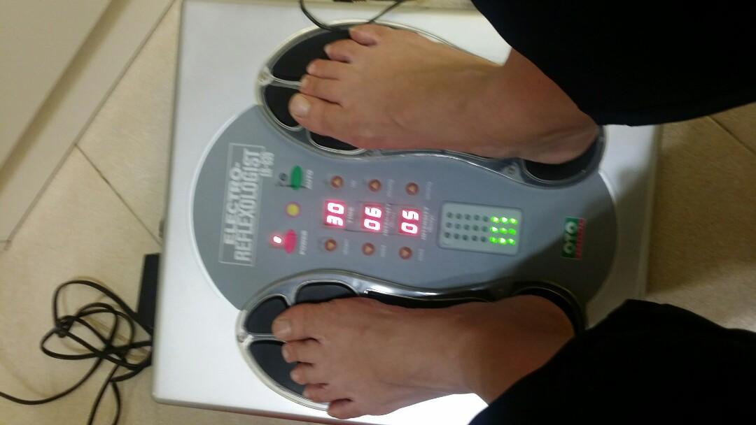 OTO 腳底電流穴位按摩機 foot massage