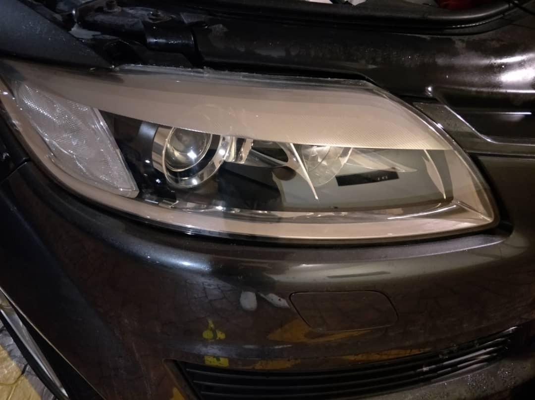 Audi Q7 headlights restoration coating.