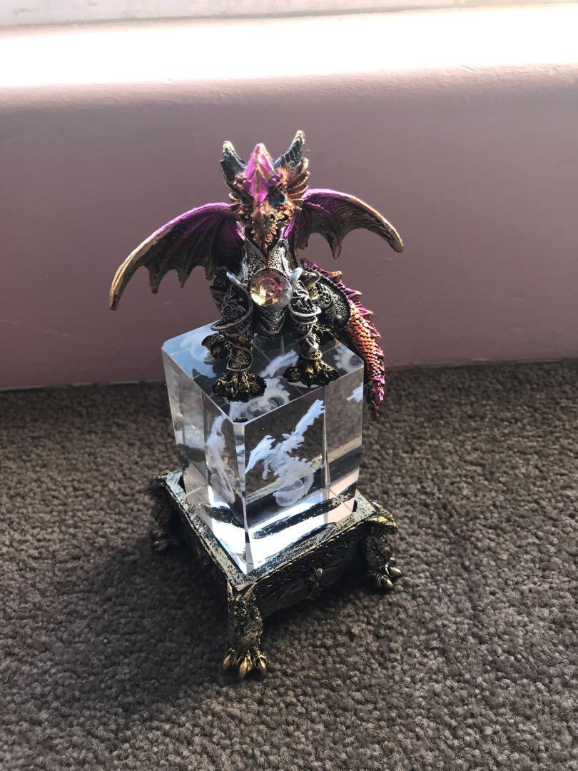 BN flying dragon on crystal cube,USB light. Perfect present