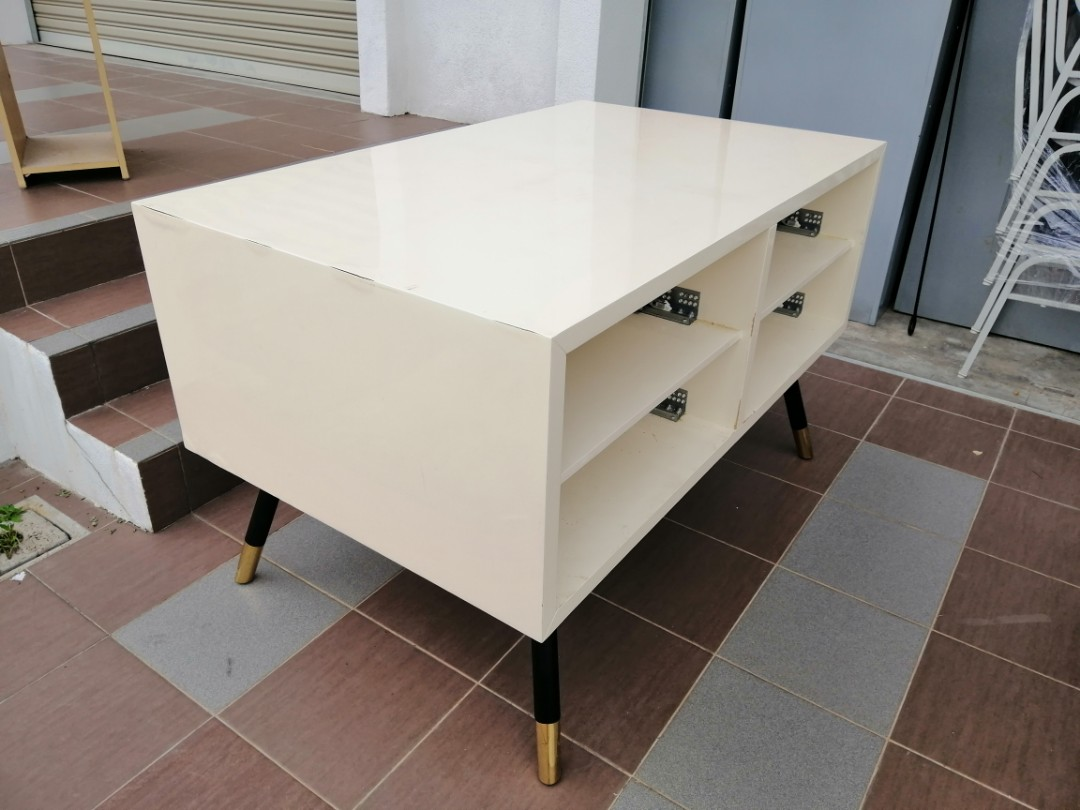 BOUTIQUE DISPLAY TABLE + 8 DRAWER