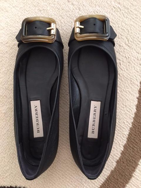 Burberry black flat shoes 95% new, no mark no scratch, size 36,