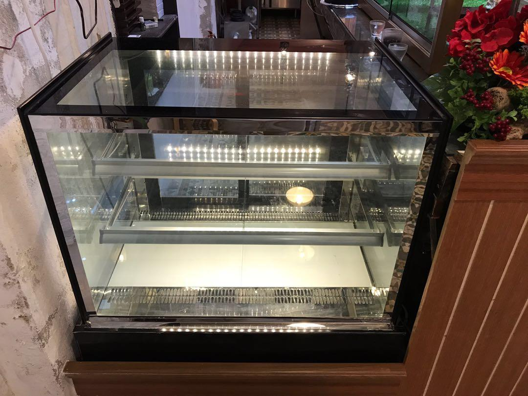 Cake Chiller condition 9/10 used only 2 months (DIM-900x670x1190)