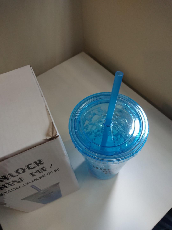 夏日color冰極水杯 <99%NEW> tumbler cup with straw