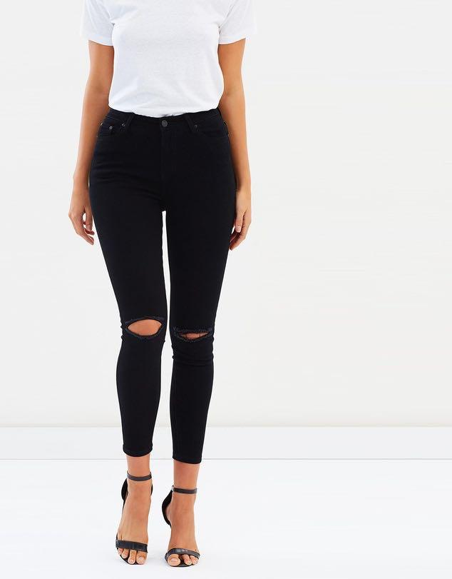 Forever 21 Black Mid Rise Ripped Knee Skinny Jeans