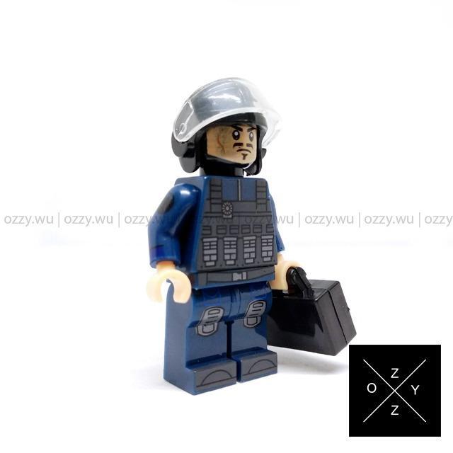 Lego Compatible Marvel Minifigures : Tony Stark (Security Guard)