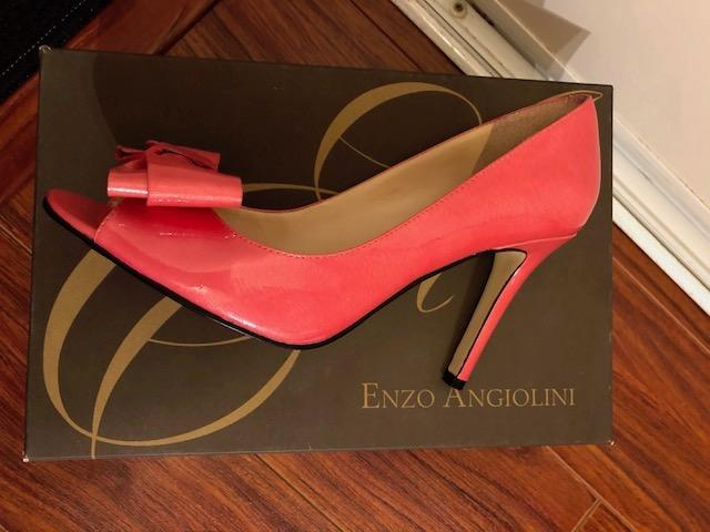 Like new Enzo Angiolini hot pink high heel Size : 6.5