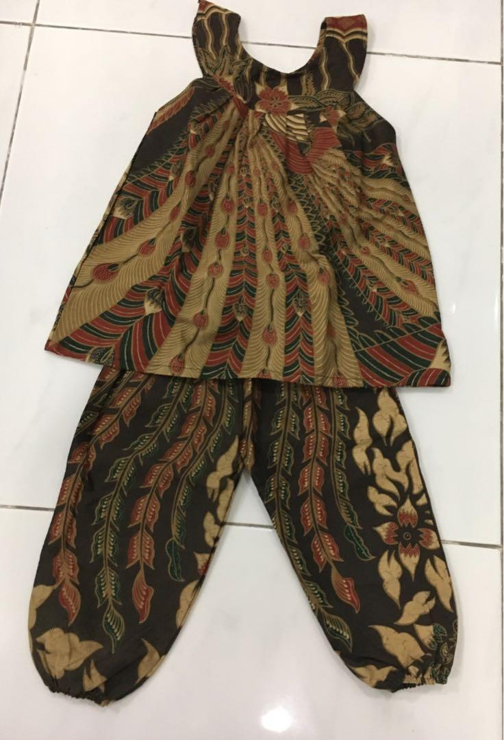 Setelan babydoll batik anak perempuan usia +/- 3 tahun