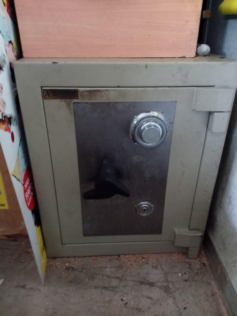 SS3 safety box