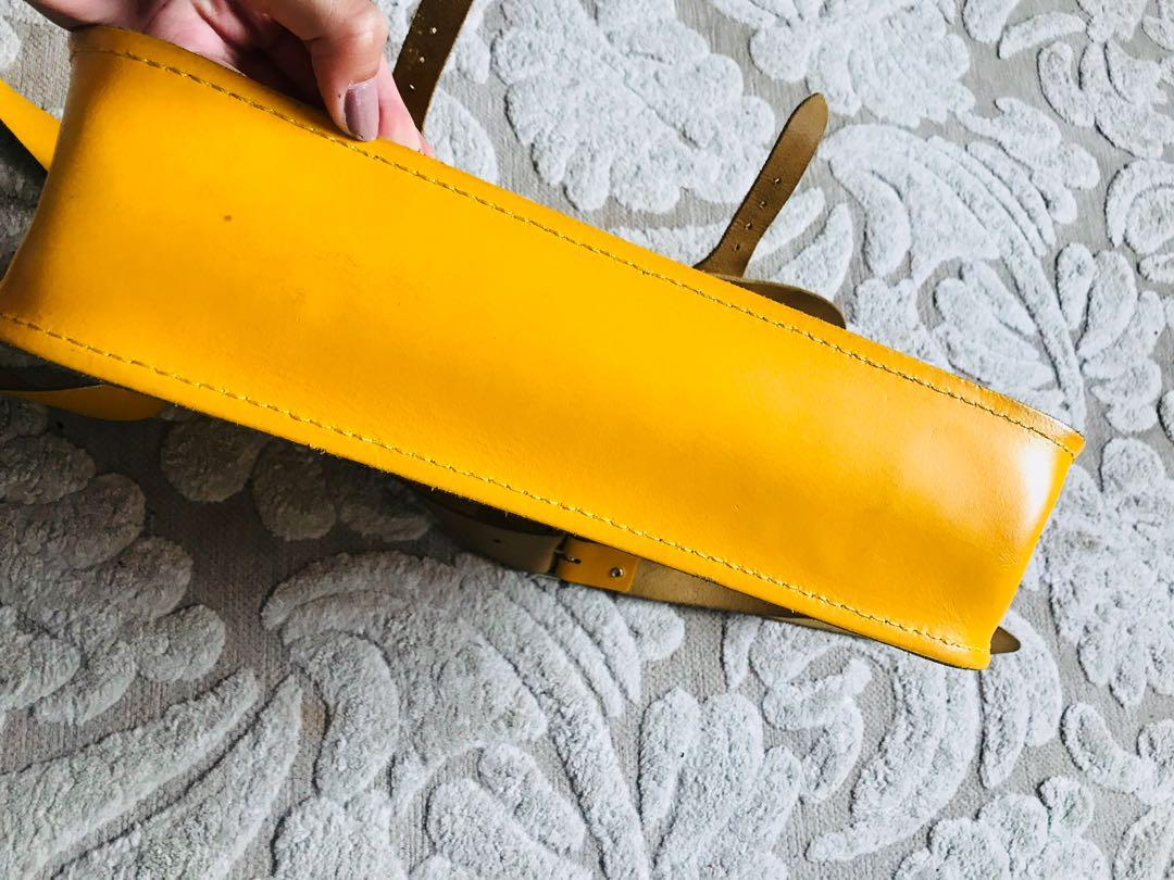 """THE CAMBRIDGE SATCHEL CO. HAND BAG - THE CLASSIC 14"""" CANARY YELLOW LEATHER BAG"""