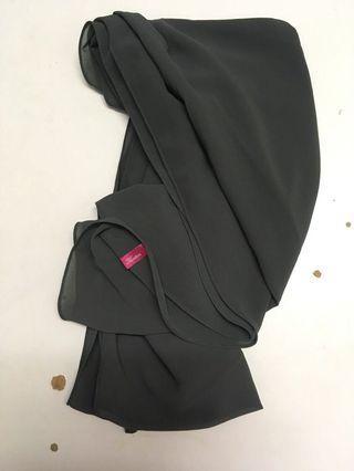 Kuntum by Zefiks Dark Grey shawl