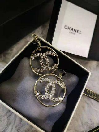 Chanel round CC earrings