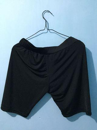 Inner Celana renang pendek hitam