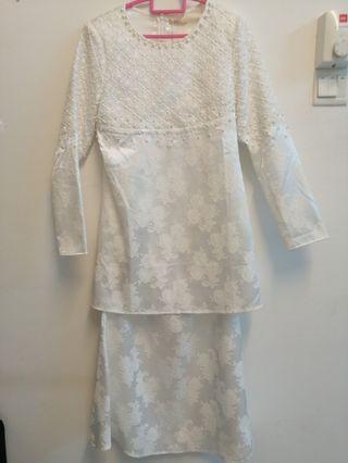 White Modern Kurung/ Baju tunang/ nikah