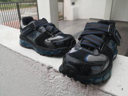 Skechers shoes free postage
