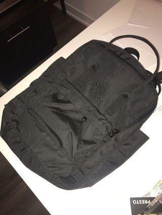 Re-kanken all black