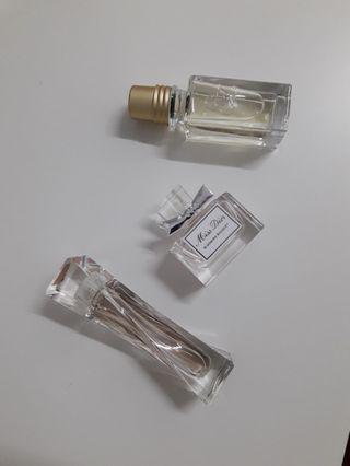 Perfume miniatures to let go