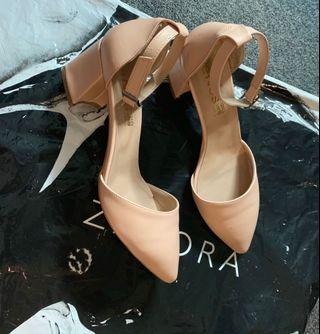 Pointy toe pumps